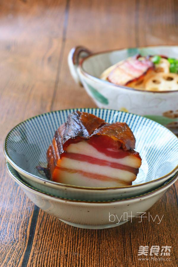 腊肉炒藕片成品图