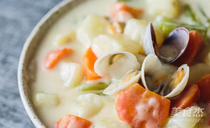 蛤蜊土豆奶油浓汤成品图