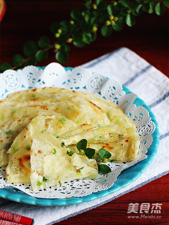 饺子皮葱油饼成品图