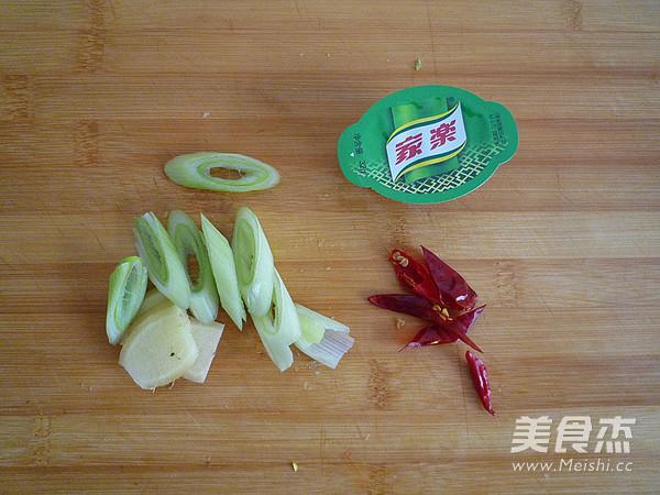 白菜油渣炖粉条的家常做法