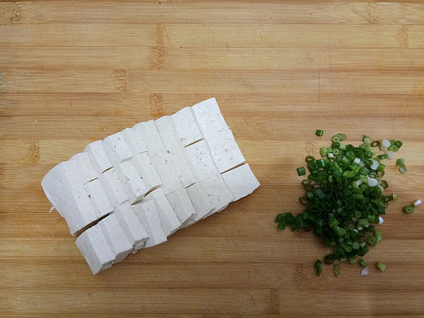 金针菇烧豆腐的家常做法