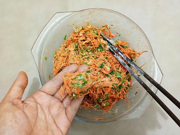炸胡萝卜香菜丸子怎么吃
