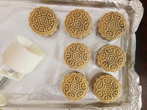 广式莲蓉月饼怎样炒