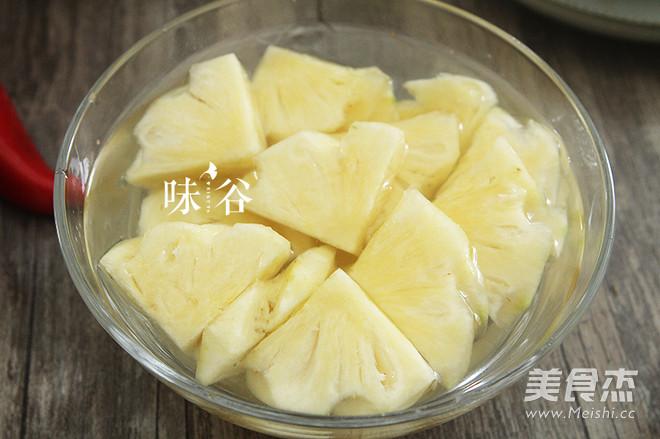 菠萝酸甜排骨的家常做法