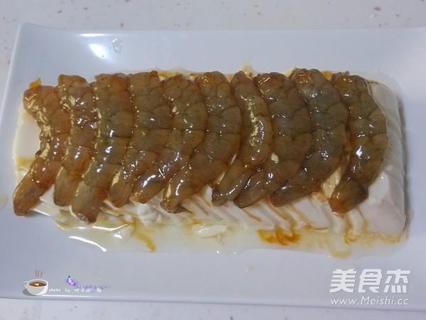 剁椒虾仁蒸豆腐怎么吃