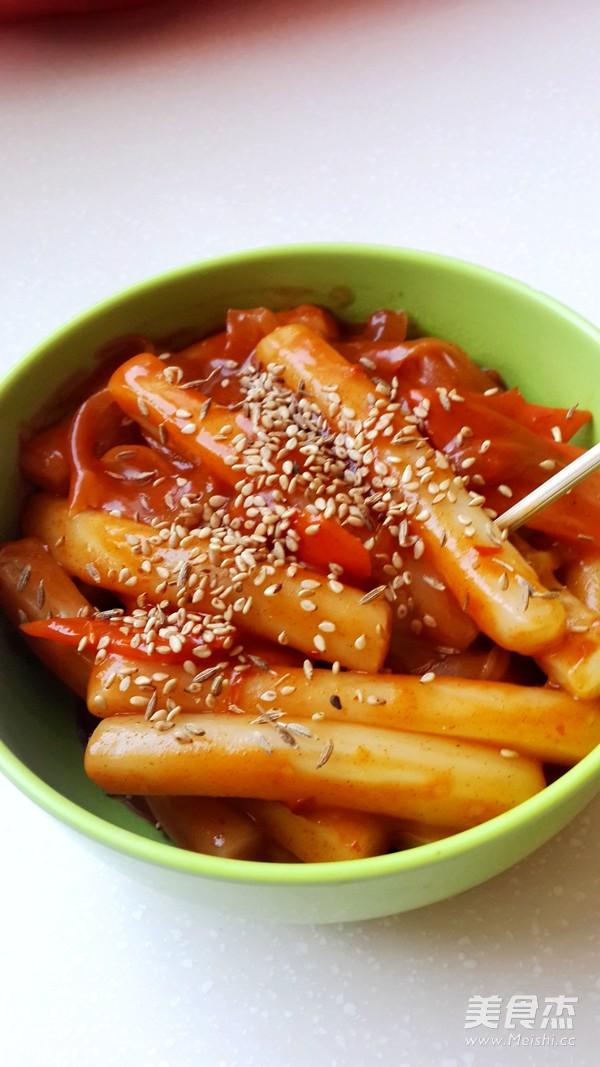 韩式辣炒年糕成品图