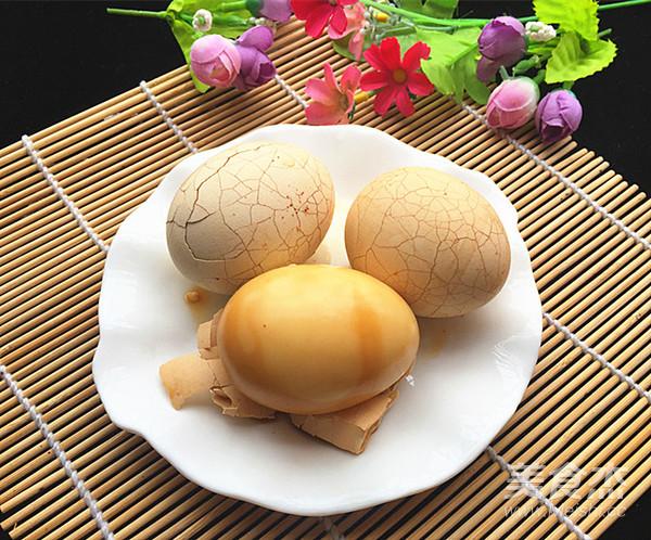 卤水鸡蛋成品图