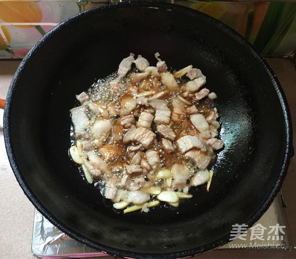 五花肉炒辣白菜盖饭怎么煮