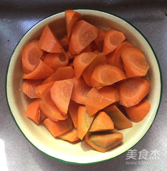胡萝卜烧牛腩怎样煮