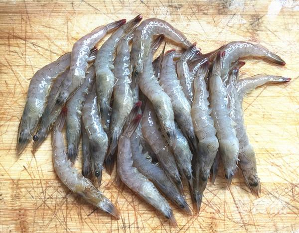 韭菜苔烧海虾的家常做法