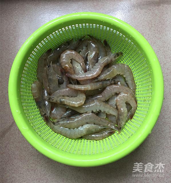 韭菜苔烧海虾的简单做法