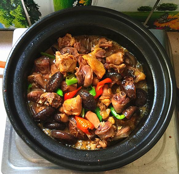 花菇焖烧土鸡肉#午餐#的制作方法