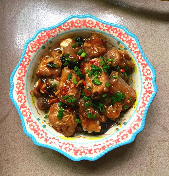 美食DIY——香菇蒸排骨的做法