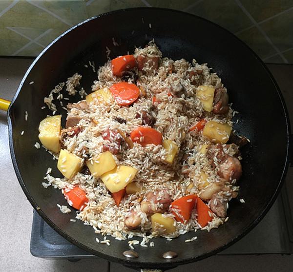 杂蔬排骨焖饭怎样炒