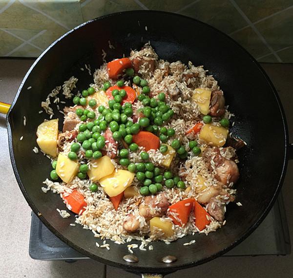杂蔬排骨焖饭怎样煮