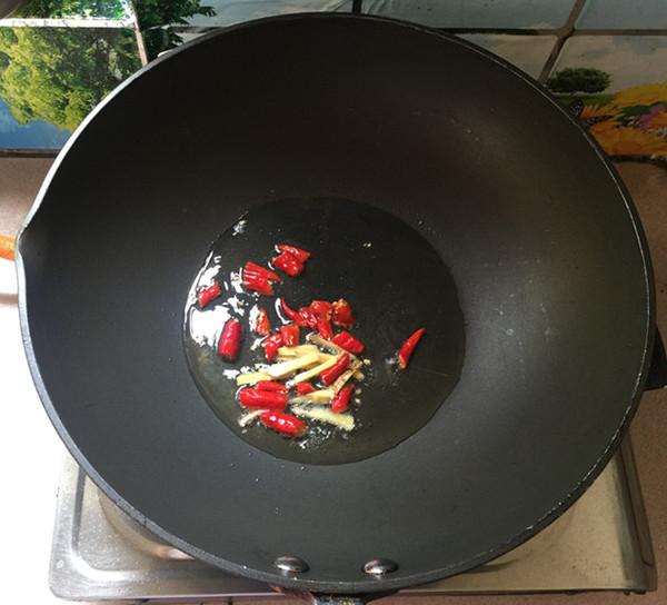 蒜薹炒腊肠#午餐#的家常做法