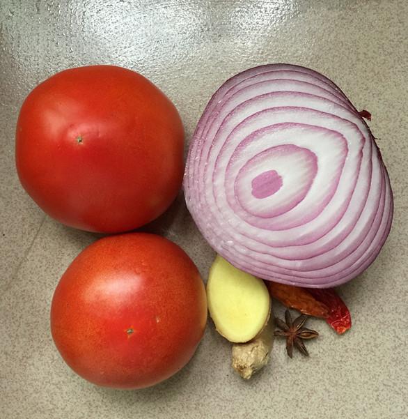 西红柿炖牛腩的家常做法