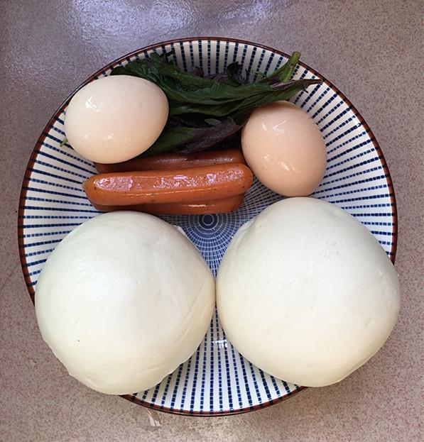 脆皮肠炒鸡蛋馒头丁的做法大全