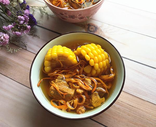虫草花玉米龙排汤成品图