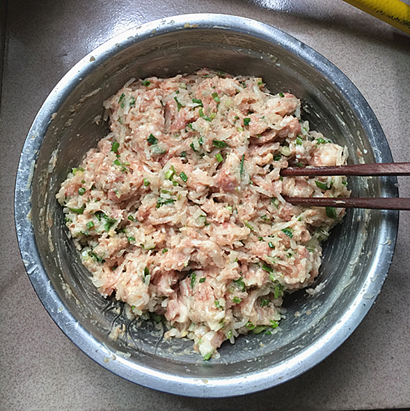 白萝卜丝肉包怎样做