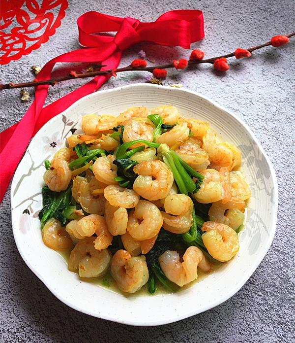 菠菜炒虾仁成品图