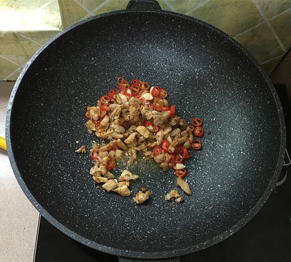 猪油渣炒红薯叶怎么吃