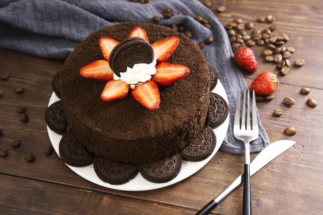奥利奥草莓夹心蛋糕成品图