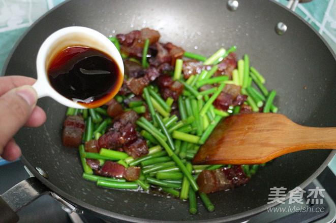 蒜苔炒腊肉怎么做