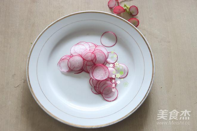 蔬果沙拉配肉酱意大利面的简单做法