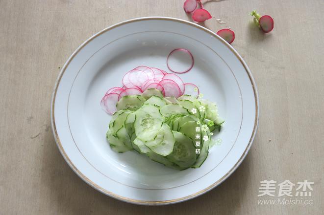 蔬果沙拉配肉酱意大利面怎么吃