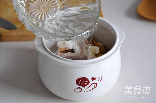 土茯苓山药排骨汤怎么吃