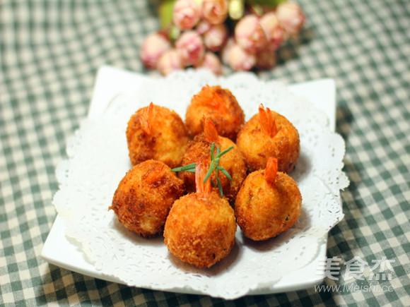 土豆泥虾球成品图