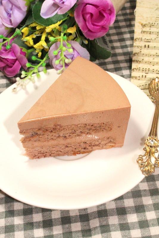 巧克力幕斯蛋糕成品图