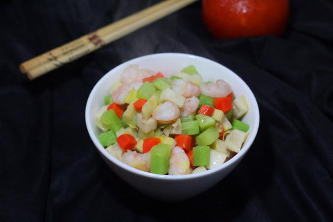 鲜虾炒时蔬成品图