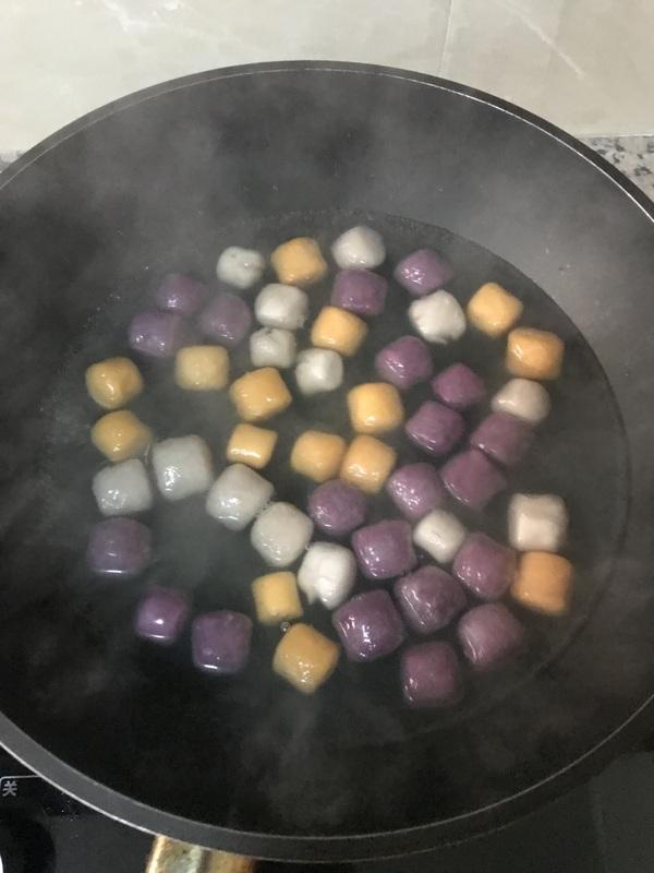 黄桃玉米芋圆甜汤的做法图解