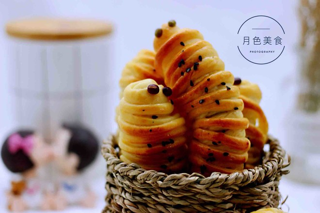 毛毛虫豆沙面包的做法大全