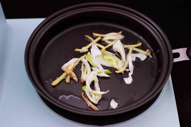 时蔬海虾刀削面怎么做