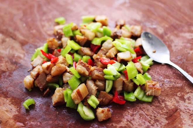 卤肉夹馍怎么吃