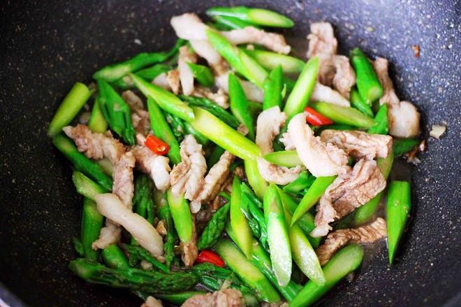 芦笋炒肉怎样炒