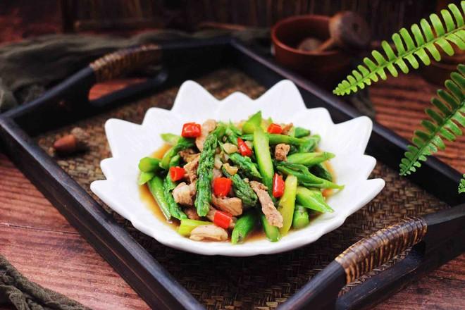 芦笋炒肉成品图