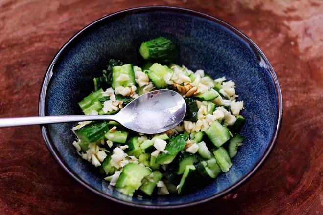 海米拌黄瓜怎样煸