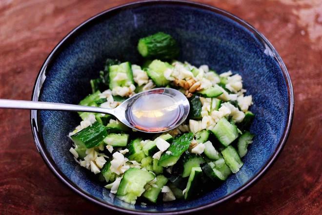 海米拌黄瓜怎么煸