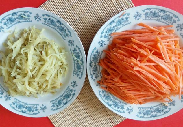 下饭菜——螺丝椒葱头炒三丝的做法图解