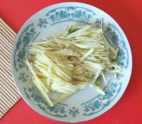 下饭菜——螺丝椒葱头炒三丝的简单做法