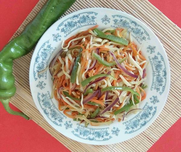 下饭菜——螺丝椒葱头炒三丝成品图