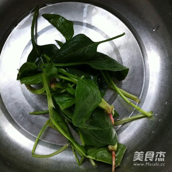 香肠石锅拌饭的简单做法