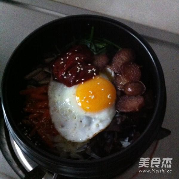 香肠石锅拌饭怎么煮