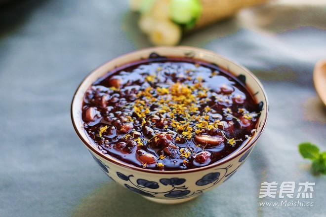 桂花黑米粥成品图