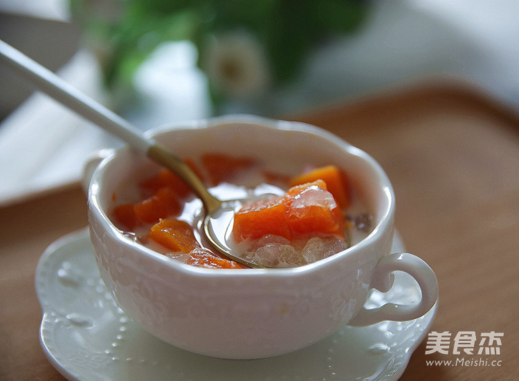 木瓜牛奶炖雪蛤成品图