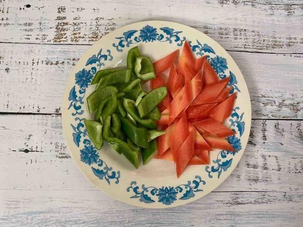 """酸酸甜甜的菠萝咕噜肉家常做法,简单美味,好吃又下饭""""用料!"""